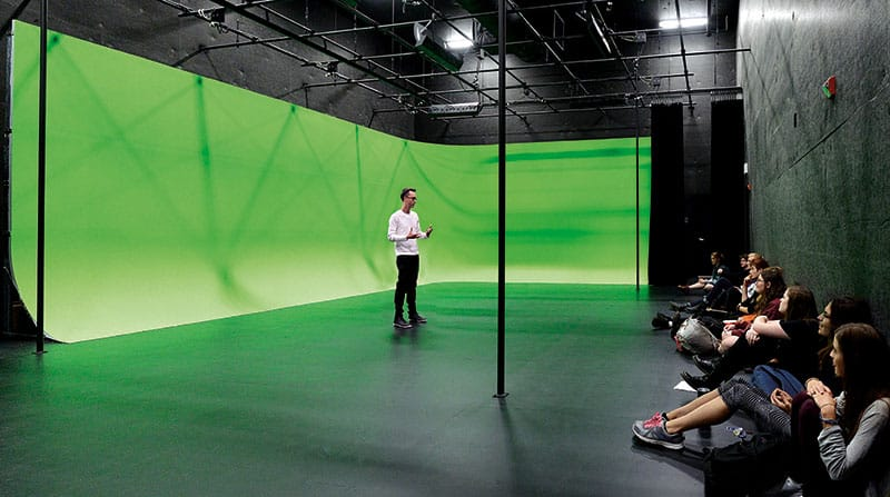 green screen room class