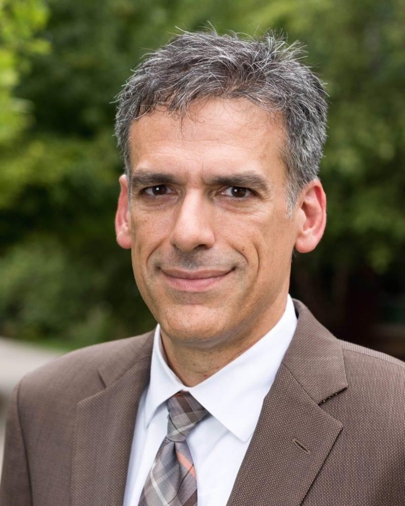 Rigoberto Hernandez Wins ACS Board of Directors Re-election