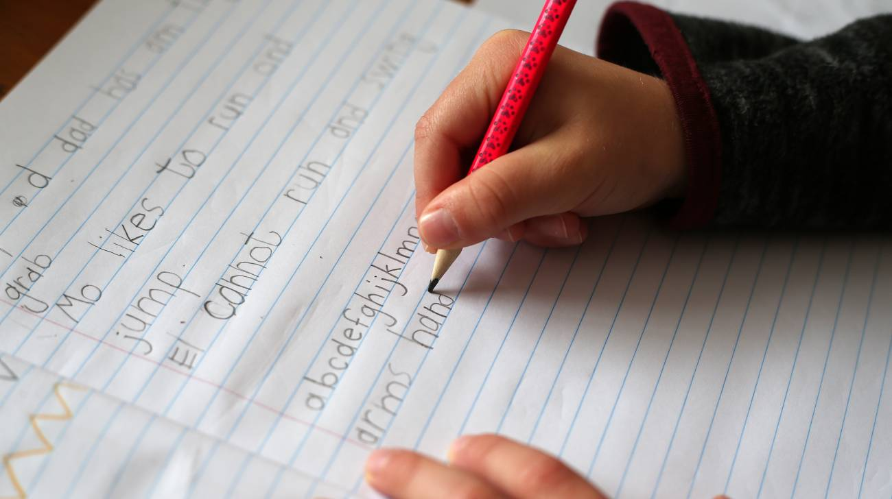 Hand-writing letters shown to be best technique for learning to read