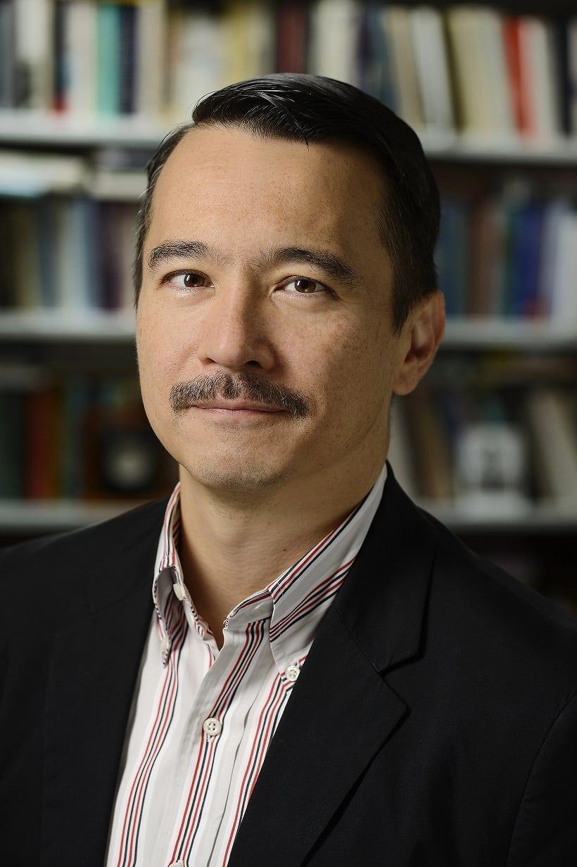 English Department Faculty Member Doug Mao Receives Award