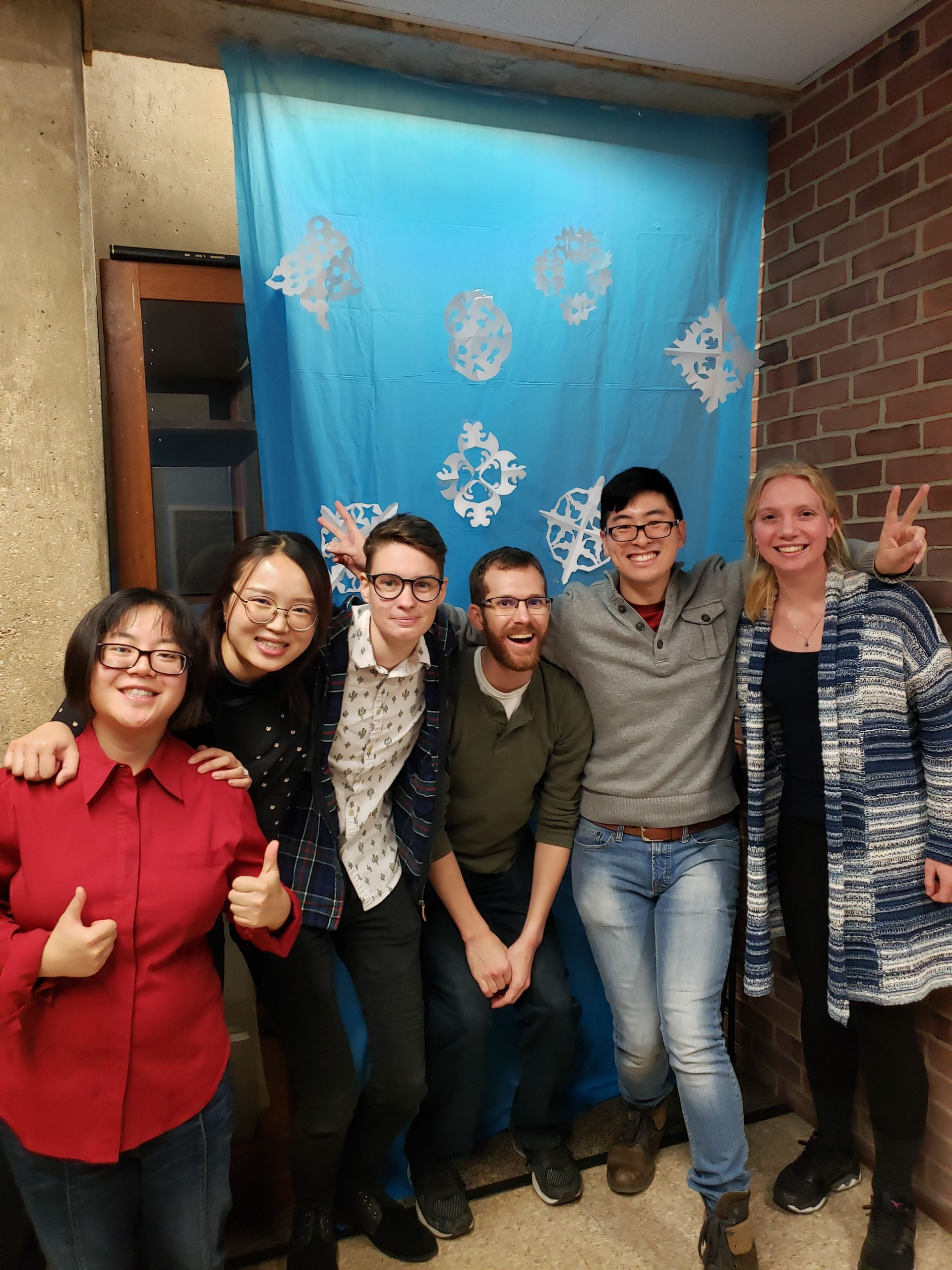 EPS wraps up semester with holiday party